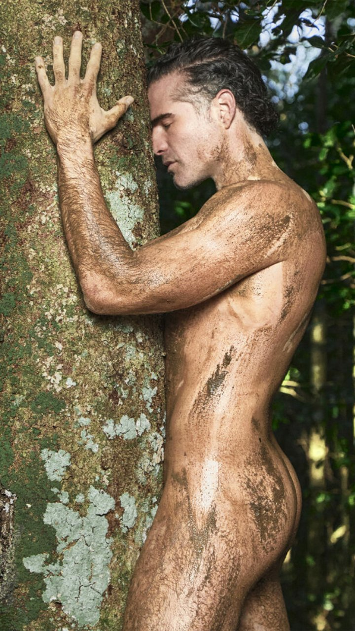 actor de novelas desnudo