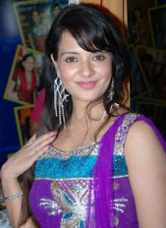 Saloni Family Husband Son Daughter Father Mother Marriage Photos Biography Profile.