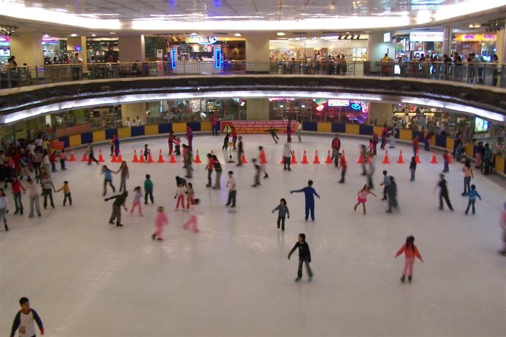 Ice Skating Mall Taman Anggrek Jakarta