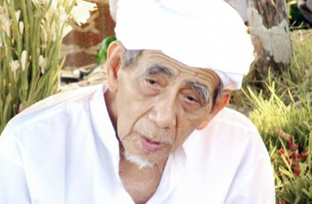 Habib Salim as-Syatiry Yaman Akui Luasnya Keilmuan Mbah Maimoen Zubair