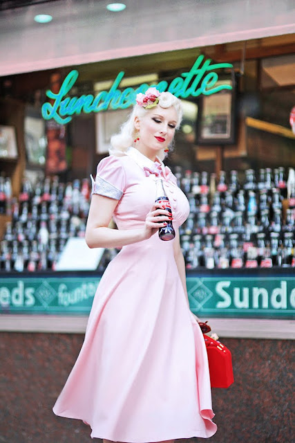 The Girl With The Impossible Waist: Pinup Model Rachel Ann Jensen Talks Corset Training Pinup Fashion And More