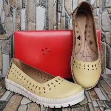 Sepatu Wanita Kulit Slip On Bitigi 05