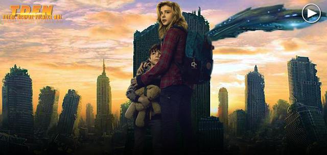 Chloë Grace Moretz, face faţă celor patru valuri de atacuri extraterestre în filmul sci-fi The 5th Wave
