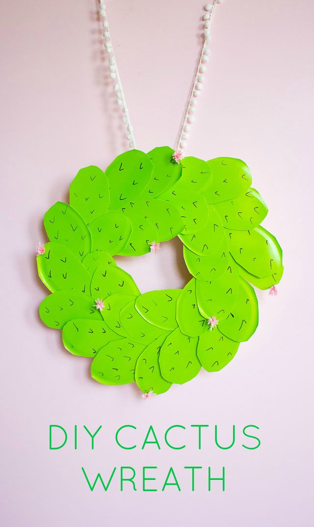 Make this prickly pear cactus wreath from paper plates!