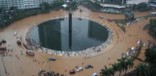 Antara Banjir Dan Retorika