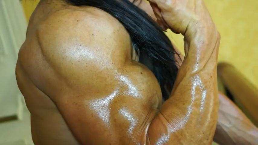 Video Beautiful muscle woman! Big and Strong Muscle Female bodybuilders