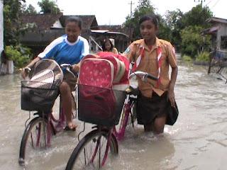 Banjir Masih Rendam Ratusan Rumah di Kesamben Jombang