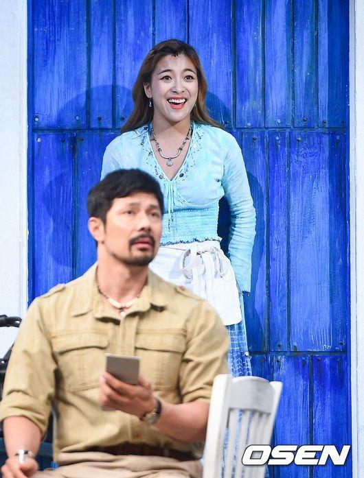 Luna müzikali 'Mamma Mia'nın basın gösterimindeydi