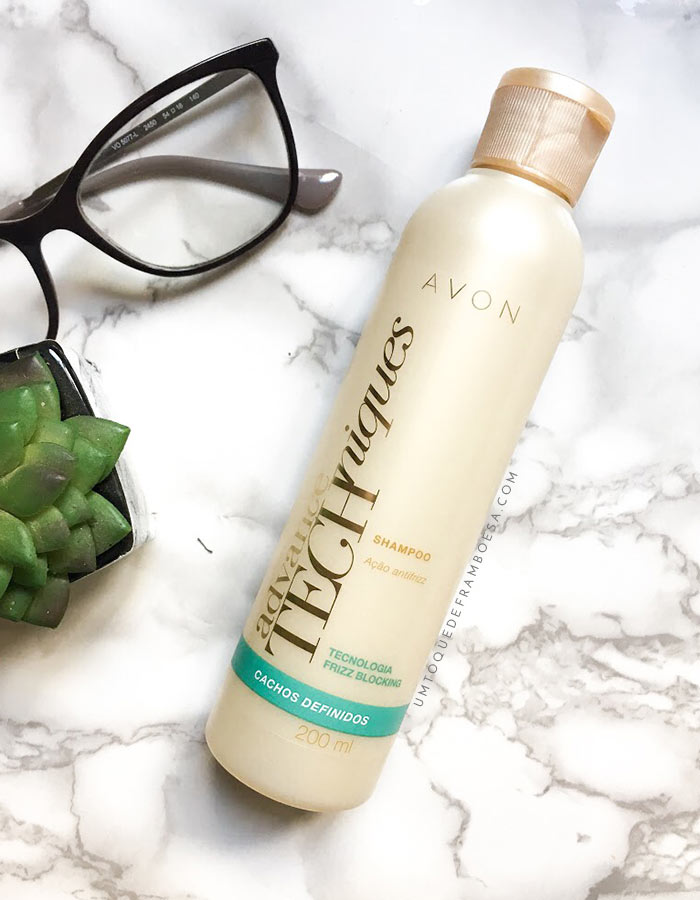 Resenha do Shampoo Avon Cachos Definidos com ação antifrizz