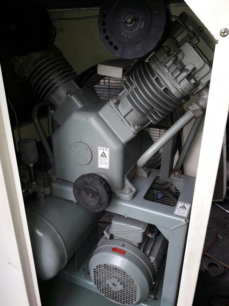 máy nén khí cũ Hitachi giá rẻ, chất lượng cao