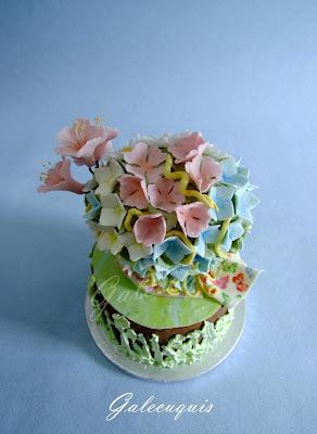 tarta primavera con flores comestibles