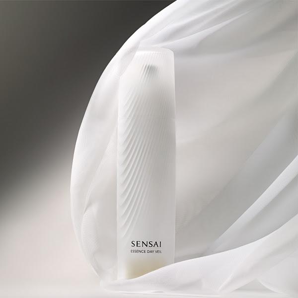sensai-essence-day-veil-1