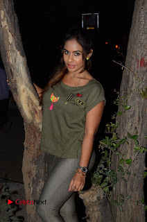 Actress Sri reddy (apthatrust director) Distrubuted Blankets for Orphans at Sai Baba Temple  0011.JPG