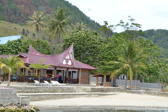 hotel backpacker di samosir