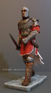 statuetta personalizzata modellino cavaliere spada armatura rievocazione storica orme magiche