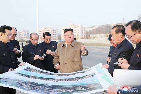 KimJong Un revisits residential construction site at Pothong River Bank