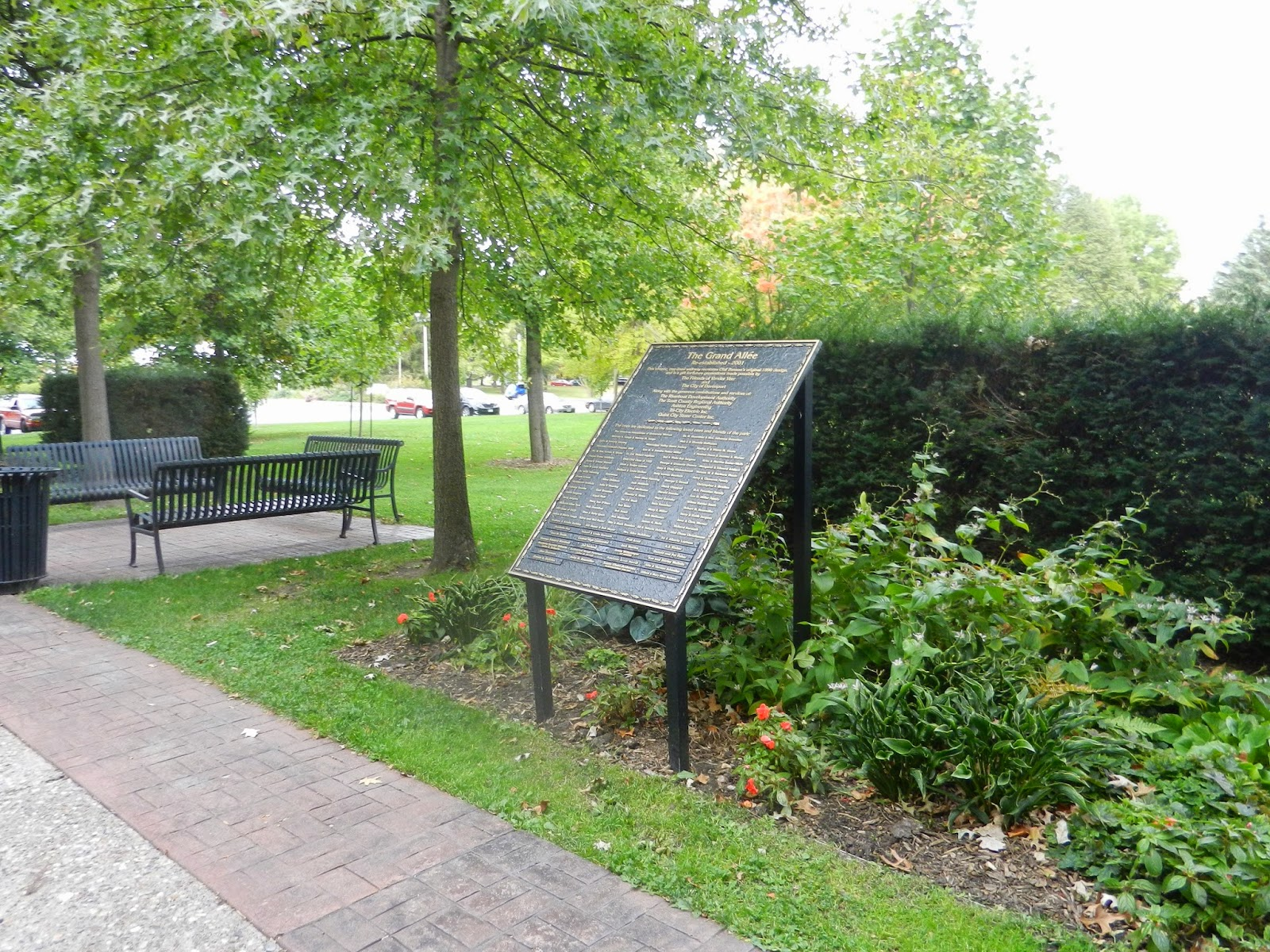 park garden walks in LeClaire Illinios