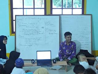 Proses Pengajaran Beriqra di Masjid Sabilal Muhtadin, Desa Kaliau' (3)