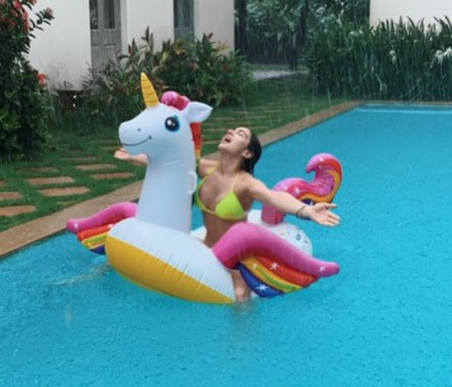 sara-ali-khan-beats-the-heat-in-style-teases-fans-with-her-new-pool-pictures-