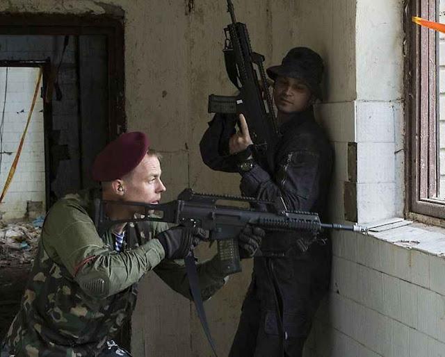 Civis treinam para lidar contra seudo insurgentes teleguiados desde Moscou