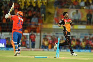 Bhuvneshwar Kumar 4-29 | David Warner 74* - GL vs SRH 15th Match IPL 2016 Highlights