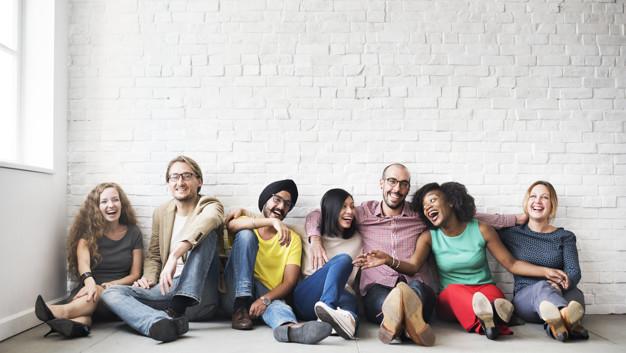 4 Cara Bergaul Agar Disenangi Orang