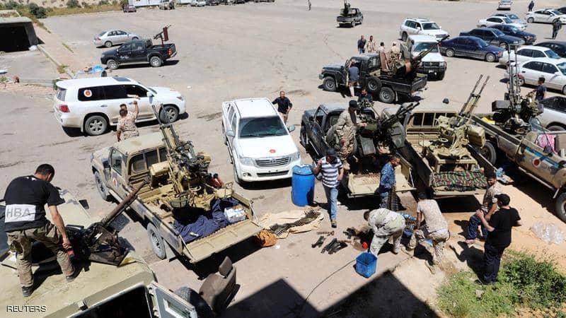 """ليبيا.. من يستفيد من بقاء طرابلس """"مختطفة"""" بيد الميليشيات؟"""