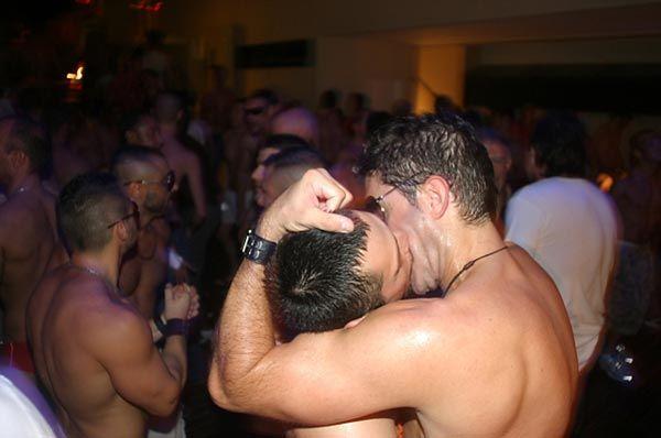 https://www.dambiente.com/2019/04/el-46-de-los-hombres-gay-practica.html