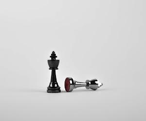 ¿De dónde viene la palabra «ajedrez»?