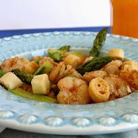 Salada de camarão e espargos