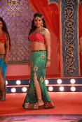 Anjali sizzling in Mada Gaja Raja-thumbnail-7