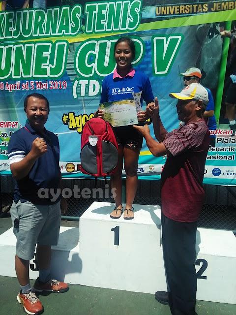 Komang Gina Kusuma Dewi Sabet Gelar Juara Unej Cup V