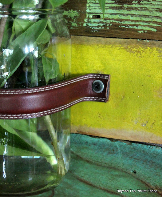scrap wood, pallets, vase, washers, leather belt, http://bec4-beyondthepicketfence.blogspot.com/2016/05/mason-jar-wall-vase.html