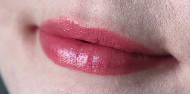 13 neue lippenstifte von astor perfect stay fabulous lipsticks modern snowwhite beauty. Black Bedroom Furniture Sets. Home Design Ideas