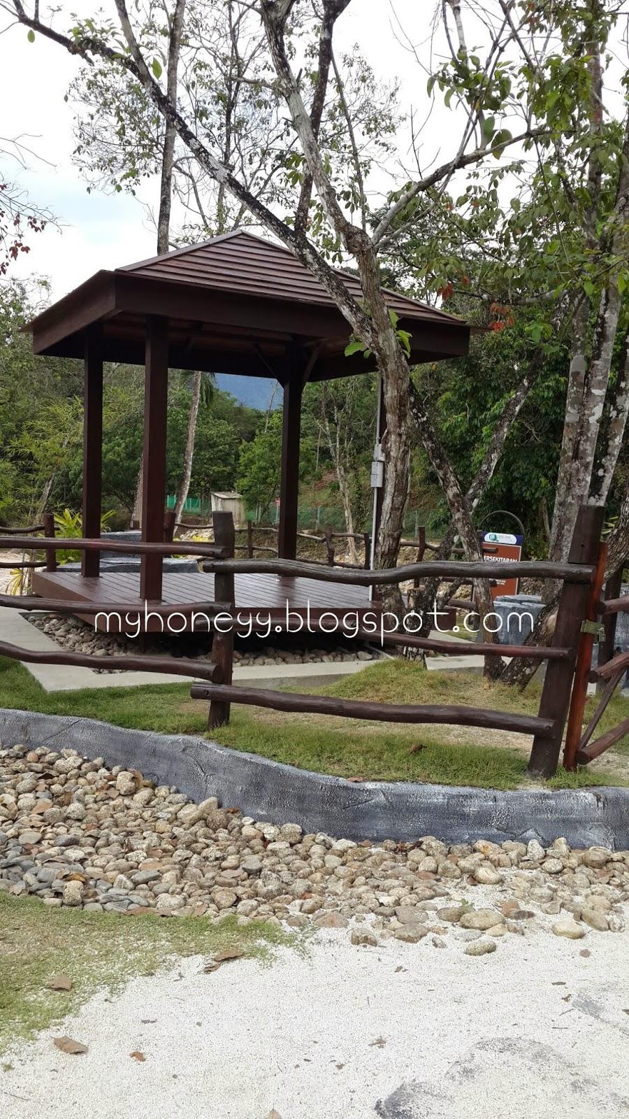 lubuk_timah_hot_spring