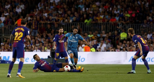 Ronaldo thẻ đỏ, Real Madrid vẫn hiên ngang rời Camp Nou