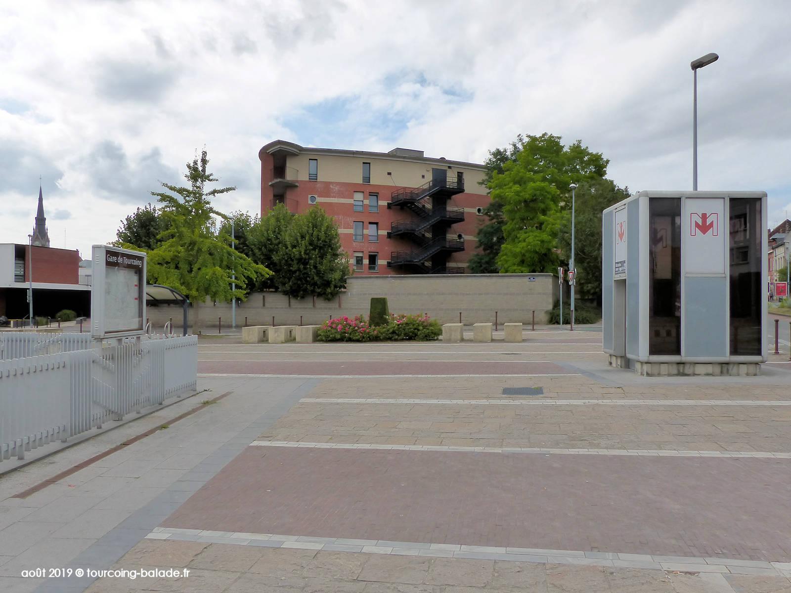 Métro Gare de Tourcoing, EHPAD Acacias