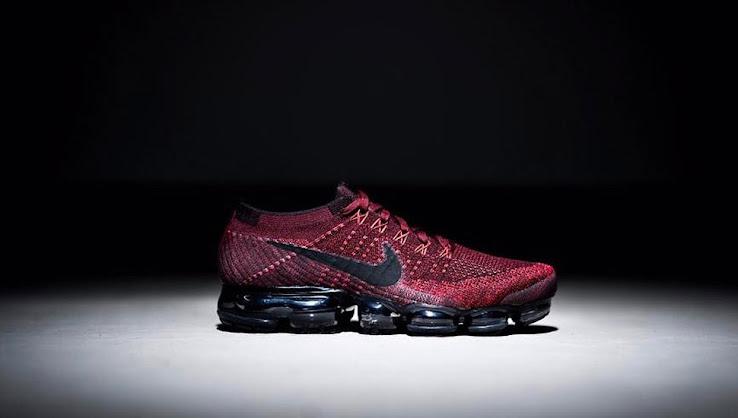 best service 7e025 6e2c4 Nike Air VaporMax - Burgundy