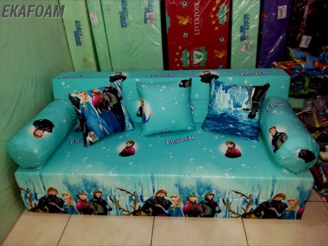 sofa bed inoac frozen biru saat di fungsikan sebagai sofa inoac lengkap
