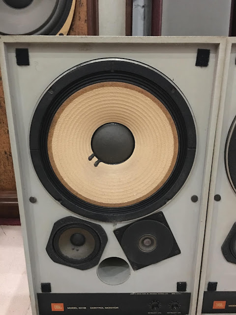 Loa JBL 4311B - Made in USA