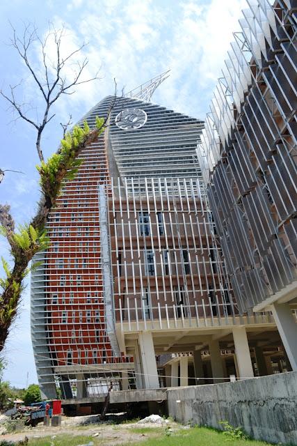 Menara Phinisi Universitas Negeri Makasar (GPPA)