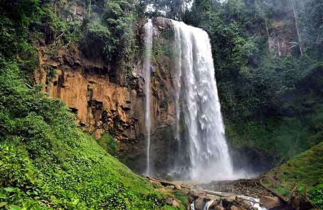 air terjun semantung