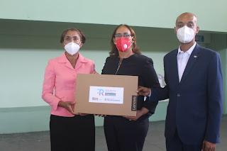 Minerd entrega más de seis  mil computadoras a docentes de San Cristóbal