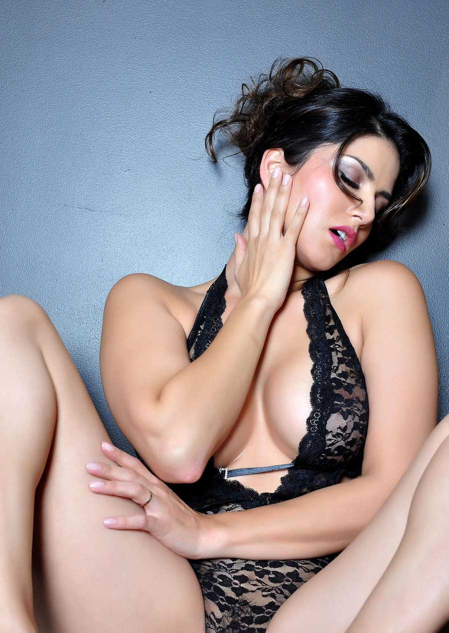 Image result for sunny leone hot pics