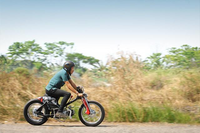 Honda Cub C70 độ với phong cách nghệ sỹ từ Indonesia