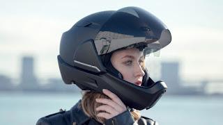 كيف تختار خوذة دراجتك النارية ..الخوذة الذكية التي تحمي سائقي الدراجات النارية