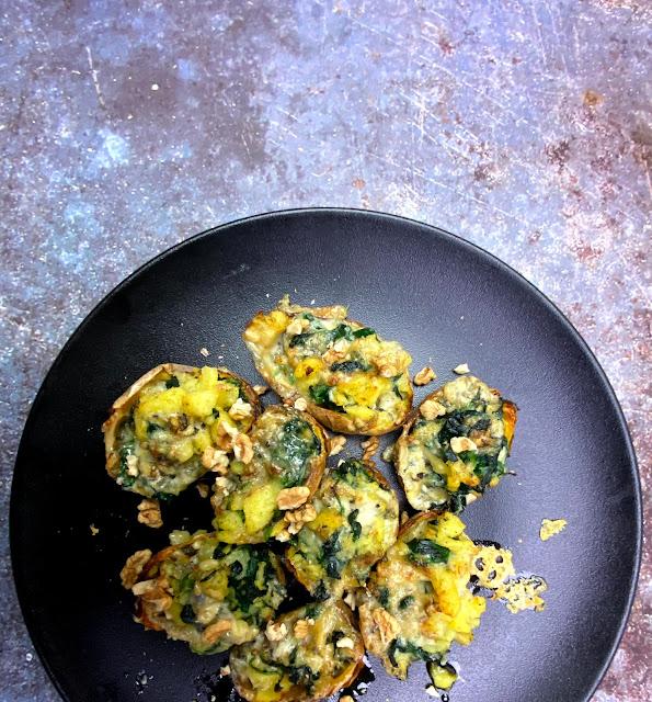 Gebackene Kartoffeln mit Spinat-Gorgonzola-Füllung