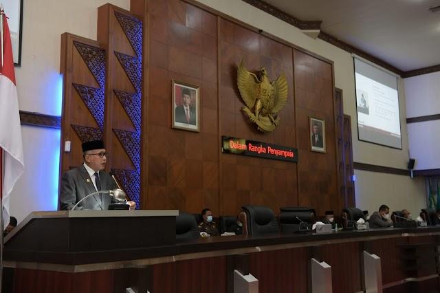 Gubernur Sampaikan LKPJ Tahun 2020 Dalam Paripurna DPRA