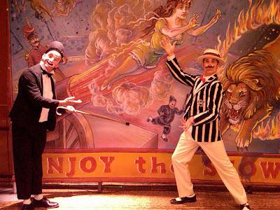http://1.bp.blogspot.com/--QxqaS2ezFE/Tasy4N23GCI/AAAAAAAAAWA/gZOH6sqIu-U/s1600/Carny+Clown+and+Barker.jpg