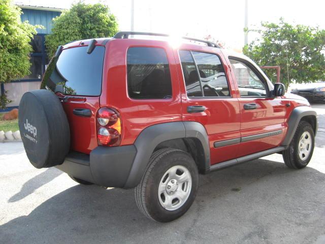 jeep liberty sport 4x4 1024x600 wallpaper